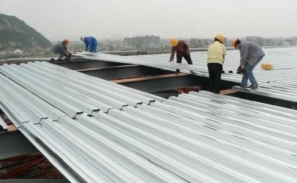Thợ lợp mái tôn tại quận Tân Phú